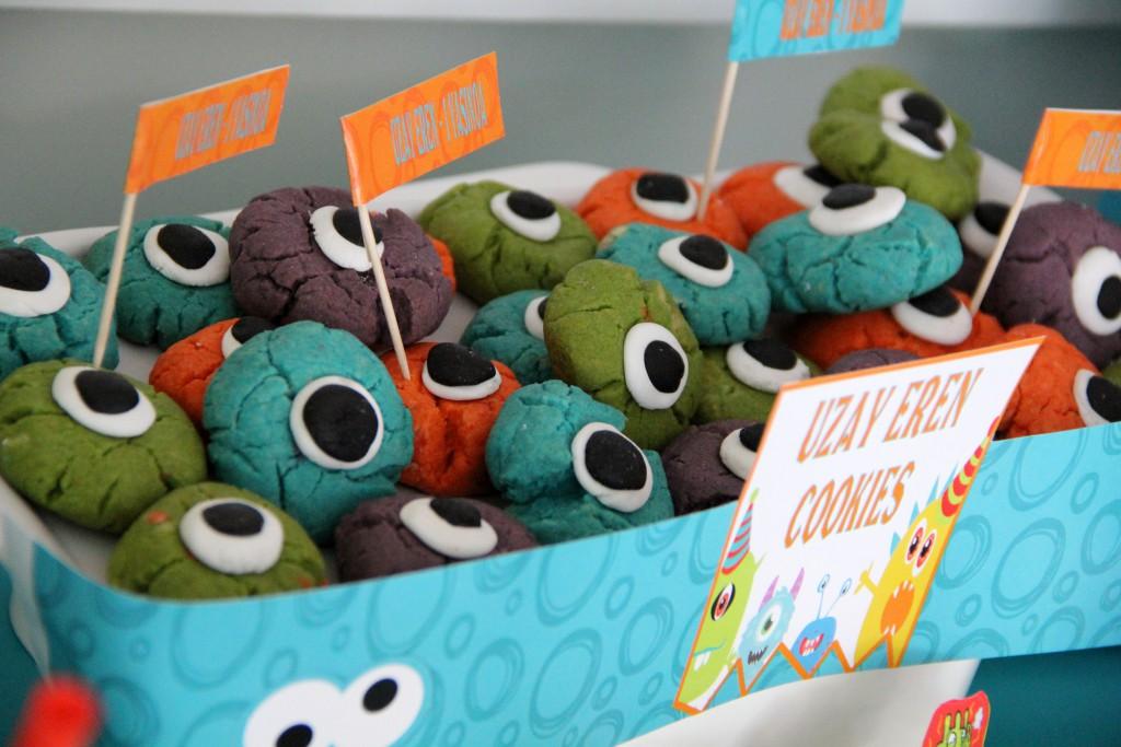 Uzay Eren Monster temalı  kurabiyeler