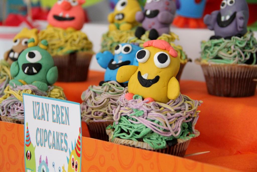 Uzay Eren monster temalı cupcakeler