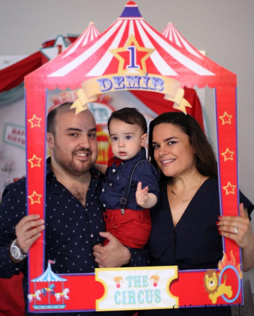 Sirk temalı 1 yaş doğum günü parti - fotoğraf hatıra çerçevesi