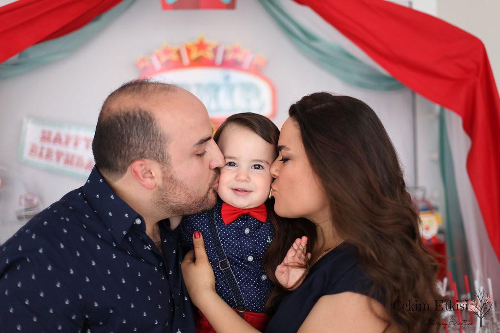 Sirk temalı doğum günü - aile